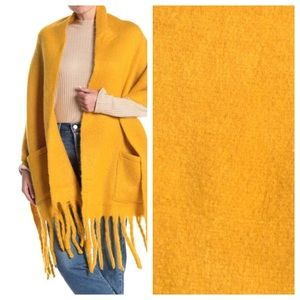 Steve Madden patch pocket scarf muffler